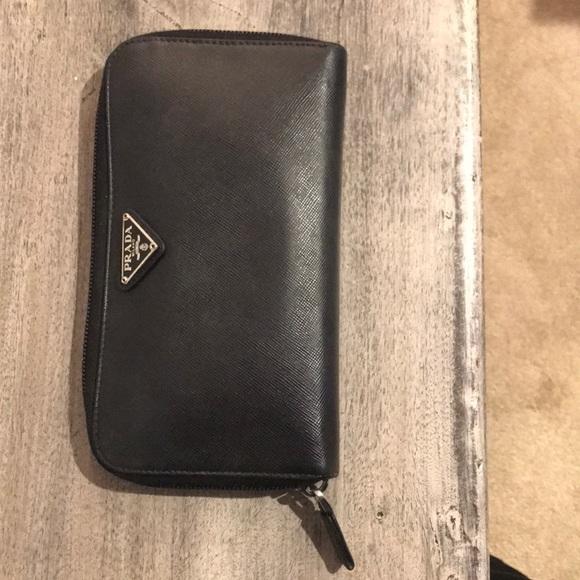 d6ecea4a1360 Prada wallet. M_5c7dee78a5d7c67a6fd47720
